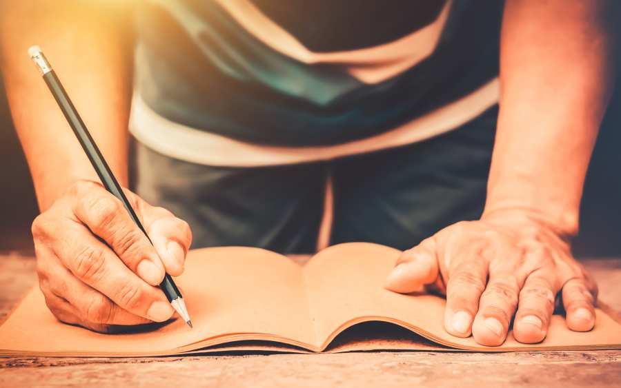 Symbolbild: Schreiben, Stift